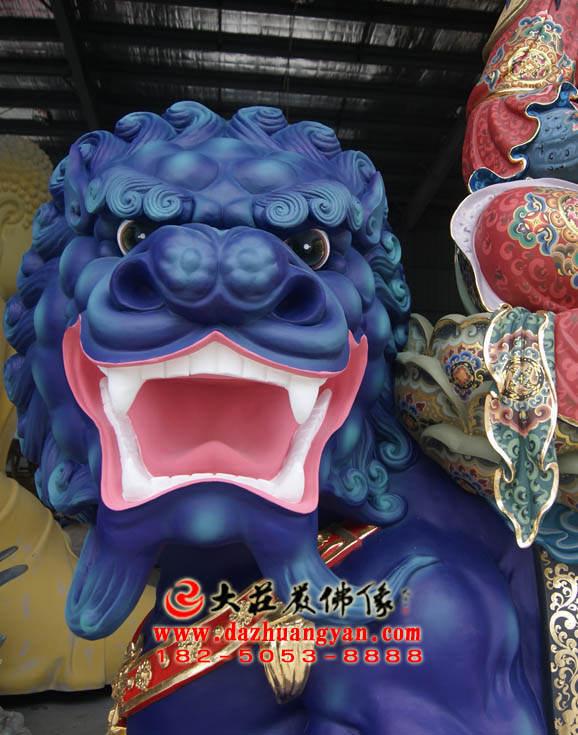 彩绘描金文殊菩萨青狮头特写