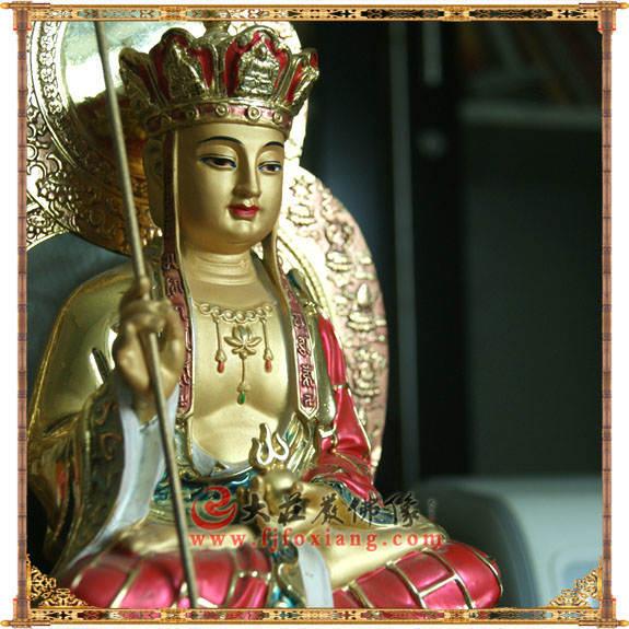 铜像地藏王菩萨侧面近照彩绘佛像