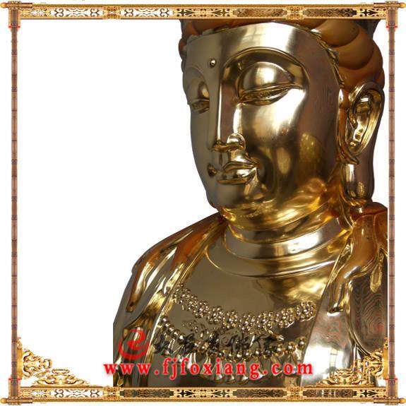 铜像贴金观音菩萨坐像侧面局部特写