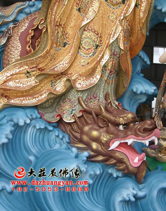 铜雕海岛观音彩绘佛像局部特写