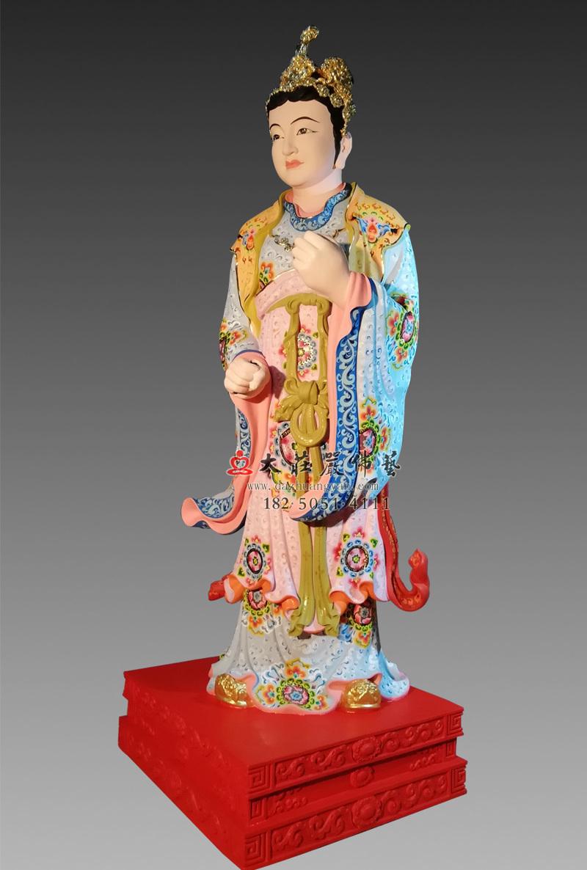 铜像侍女侧面彩绘塑像