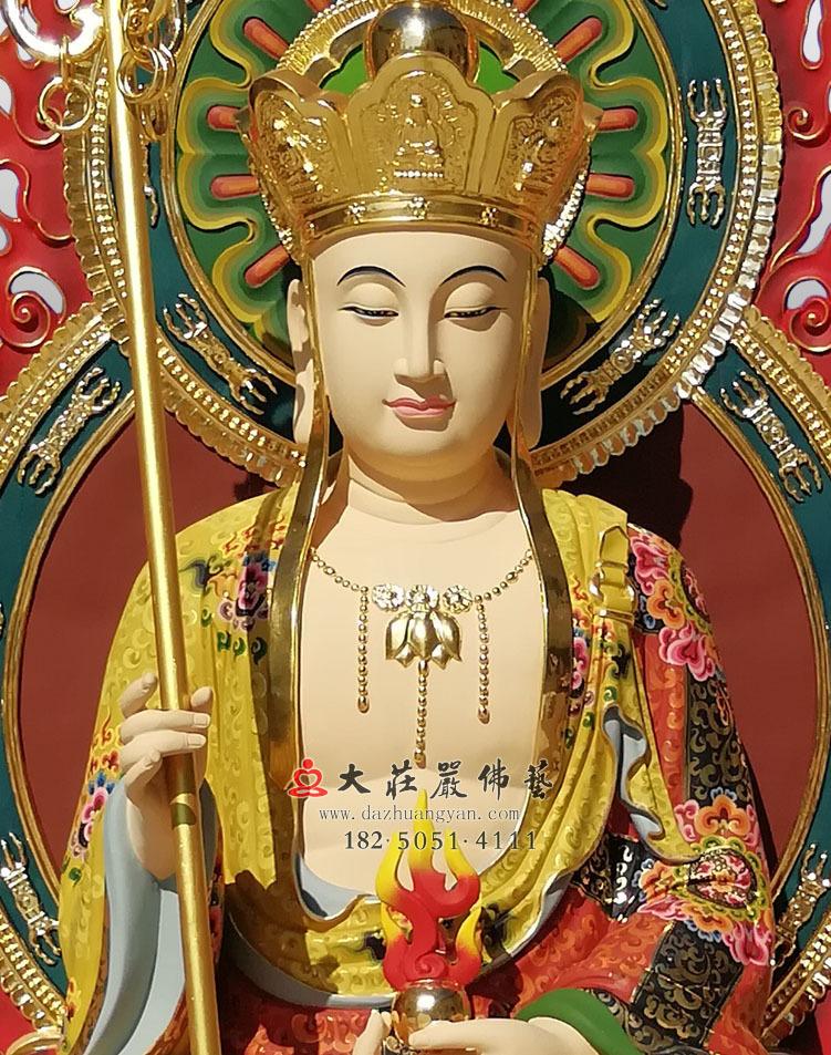 地藏王菩萨正面近照