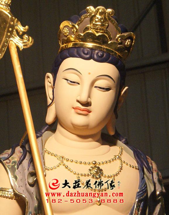铜像八大菩萨之除盖障菩萨彩绘佛像特写
