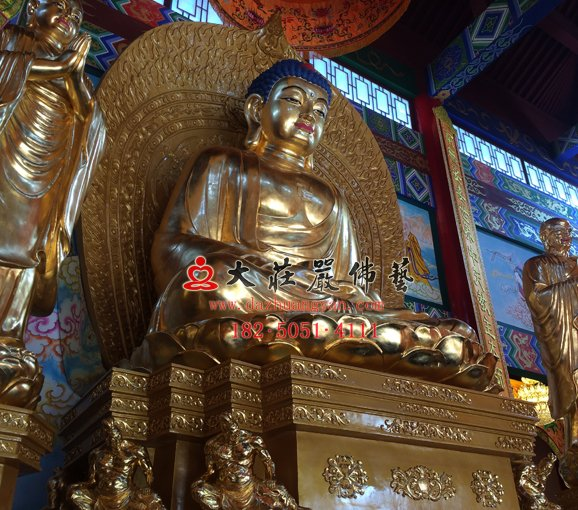 太原龙泉寺一佛二弟子铜像贴金现场及安装现场实图