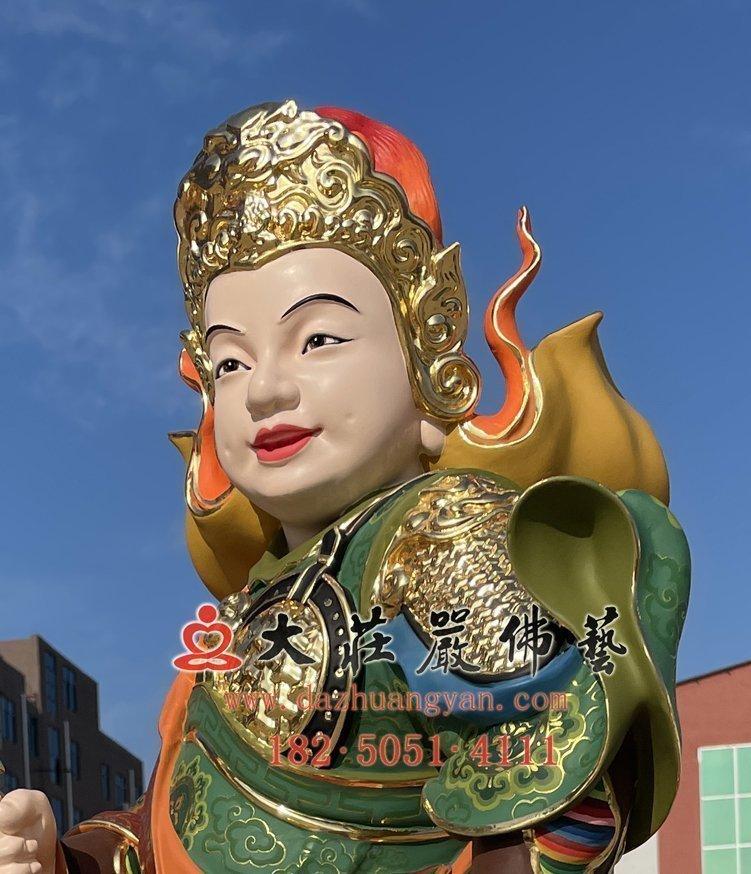 龙五爷侍者铜像右侧照