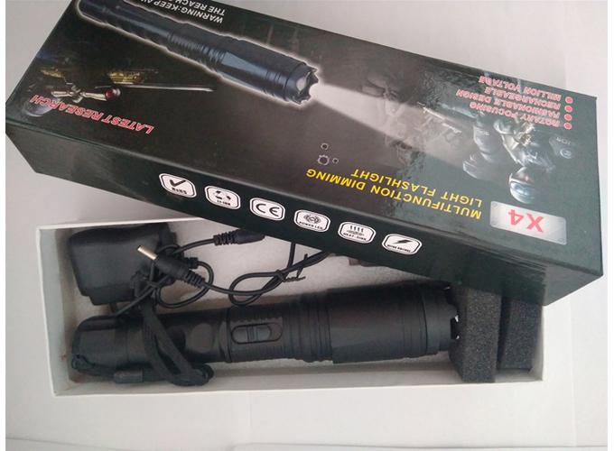 新款黑鹰X4防身电棍