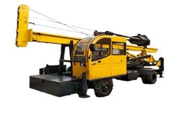 輪式柴油錘夯樁機圖片展示