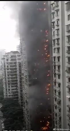 「舆情热点」重庆加州花园小区火灾进展 暂无人员伤亡
