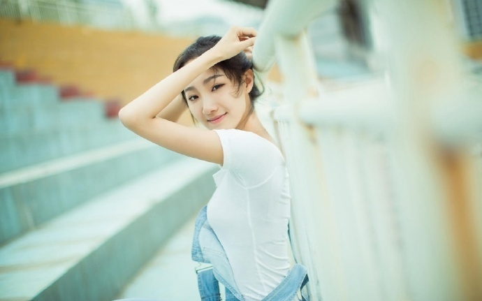 奈何君心凉薄:她是邺城第一丑女,却出身高贵。