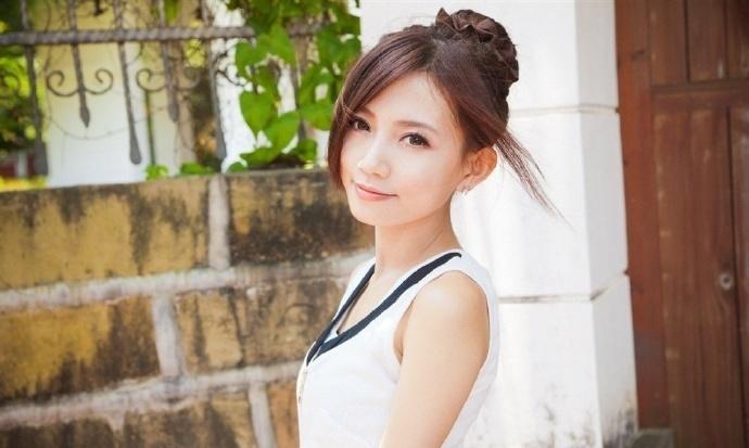 花间逐浪:陈毅收到了女友和其他男人的照片…