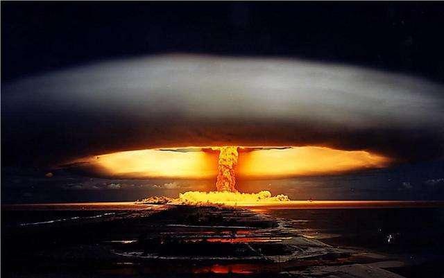 一个炸弹,成为了孤儿
