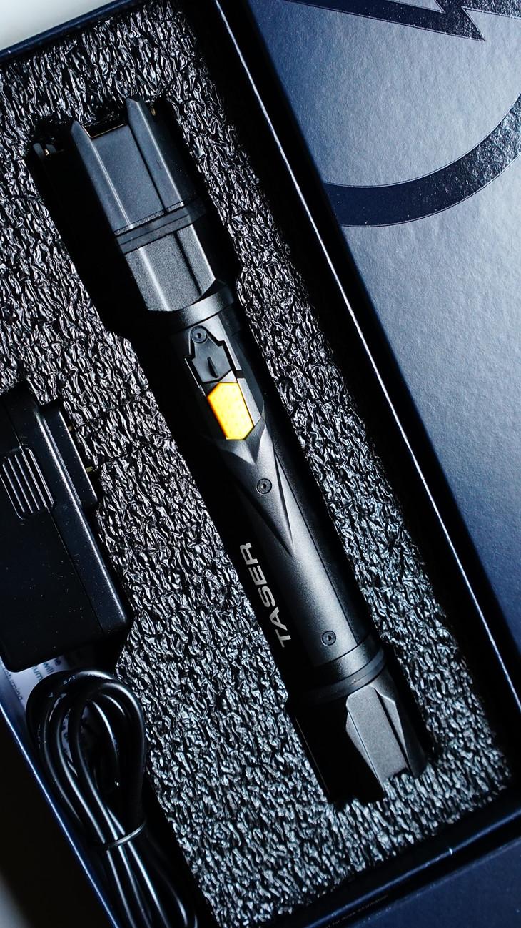 保安装备泰瑟脉冲电击棍有哪些独特优势?