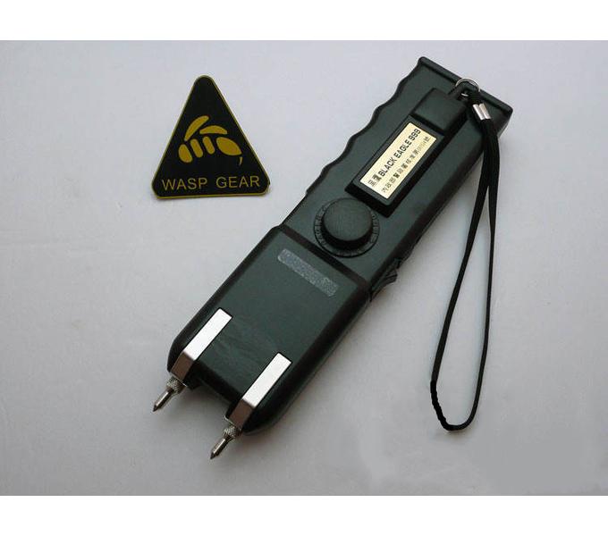 台湾军警装配欧士达OSTAR-999型大黑鹰电击器