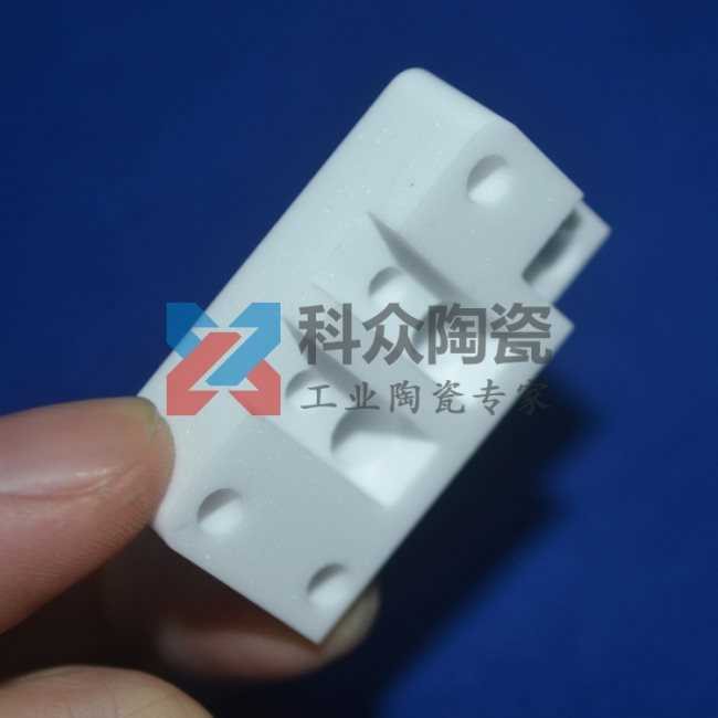 95氧化铝半导体精密陶瓷加工