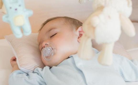 喂养泰国试管婴儿新生儿前 请先了解好5件事