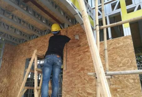 轻钢别墅墙体安装