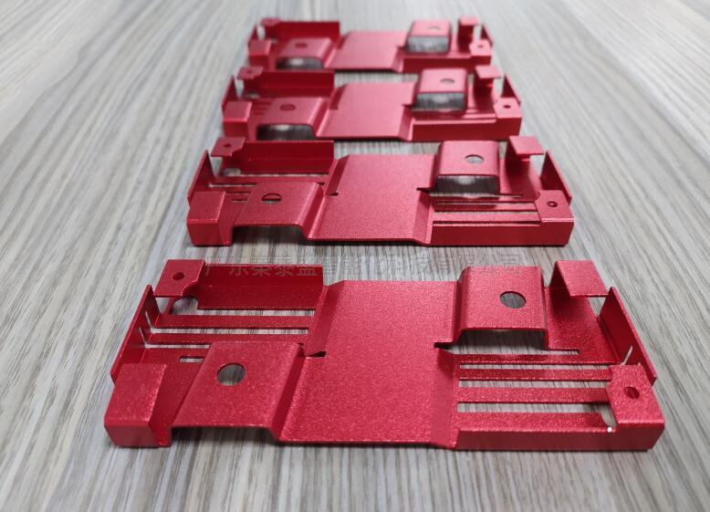 金属件全自动贴辅料机案例