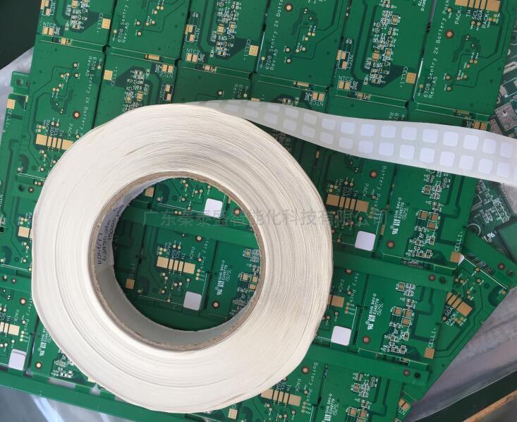 PCB板全自动贴辅料机工作原理是什么?