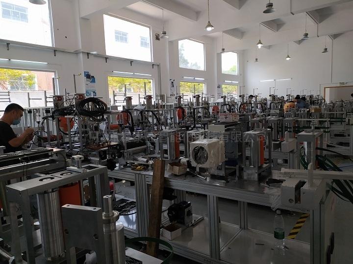 广东秦泰盛智能化科技有限公司,全自动贴背胶机车间环境介绍
