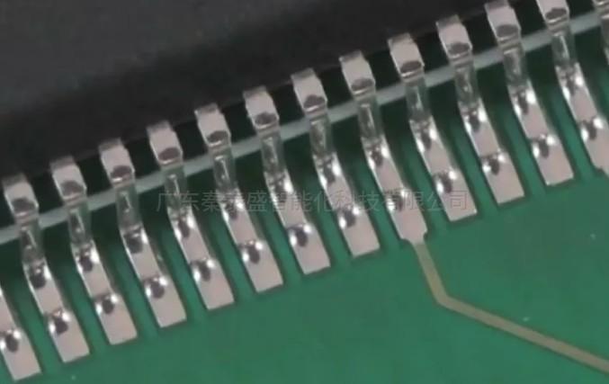 你知道大神是怎样焊接SMT芯片的?