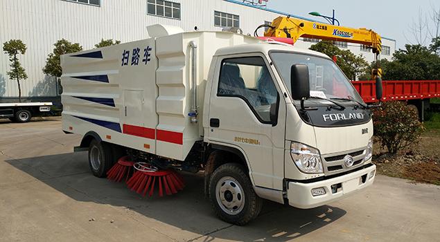 福田2.5方扫路车
