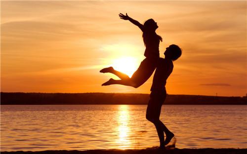 两个人之间的关系升级应该怎么去做?