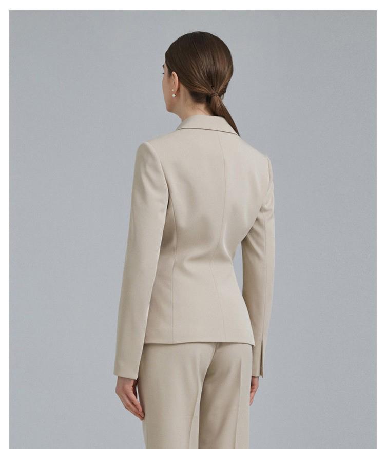 重庆女士时尚西服套装定制