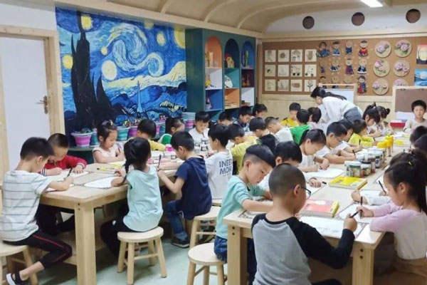少儿艺术教育机构提供什么样的内容是家长报班的理由