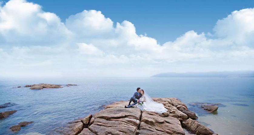 碧桂园十里银滩礁石公园