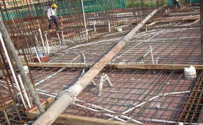 混凝土泵管堵住的原因