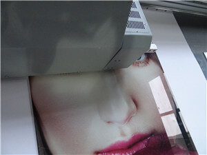 choose a cost-effective glass printe