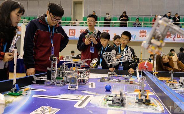 奇咔咔机器人教育,改变孩子内向的性格