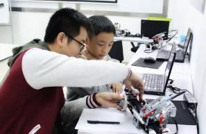 奇咔咔解答几个关于机器人教育的常见问题