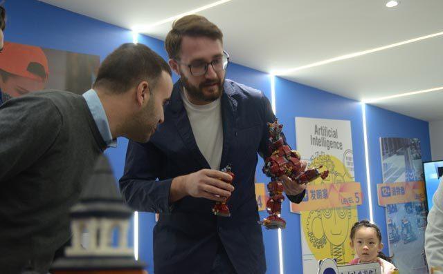 如何培养孩子对乐高机器人编程的兴趣
