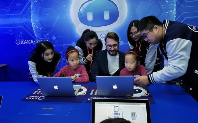 奇咔咔机器人教育课堂展示