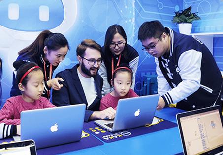 奇咔咔机器人教育加盟品牌简介
