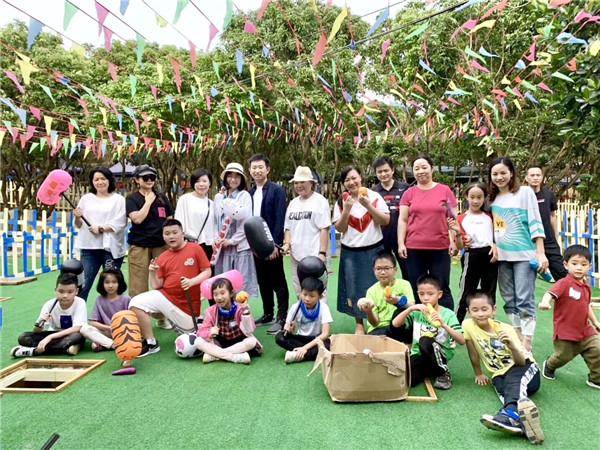 深圳农家乐团建游戏真人打地鼠