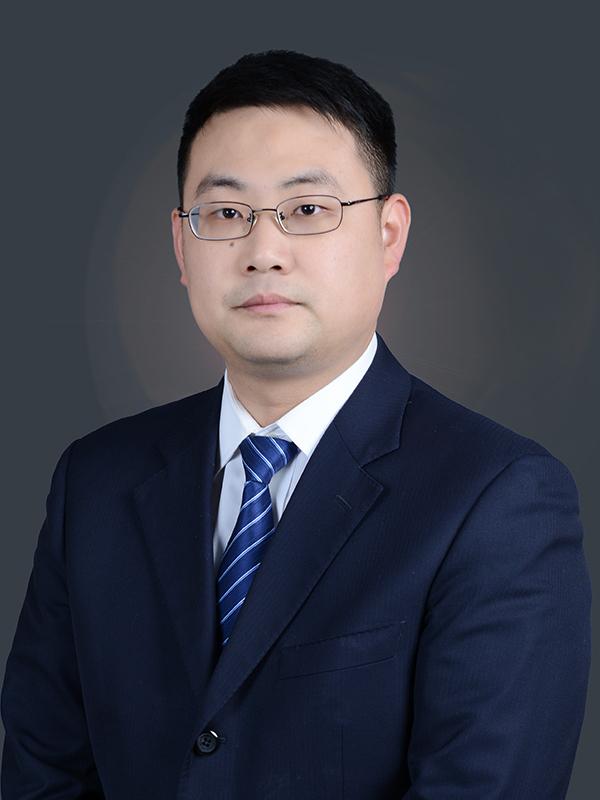王奇菁律师半身照
