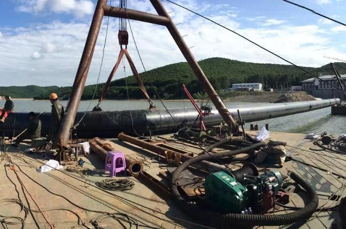 船舶管工程施工现场