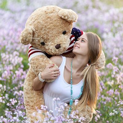 女友礼物:毛衣泰迪熊公仔