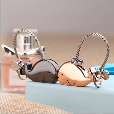 女朋友的礼物:定制亲吻鲸鱼情侣钥匙扣