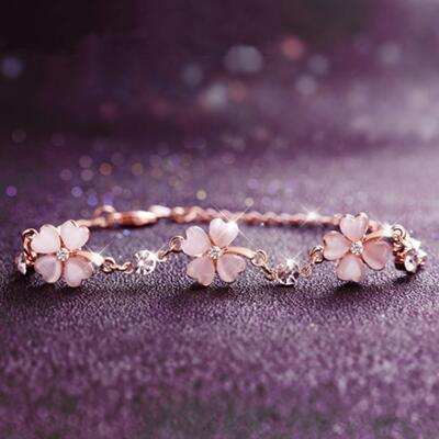 女友礼物:樱花粉四叶草手链