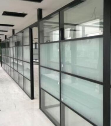 北京办公室玻璃隔断装修的好处