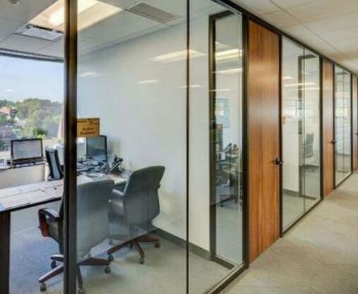 办公玻璃隔断如何进行空间划分