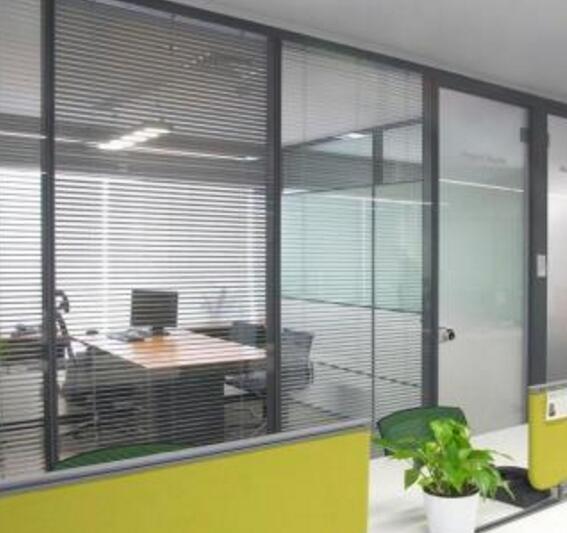 北京办公室玻璃隔断有什么优势