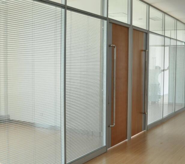 玻璃隔断施工做法