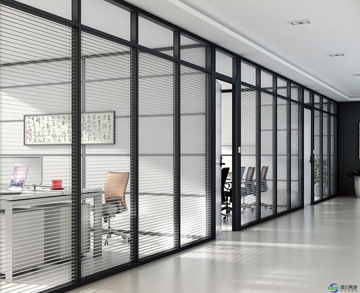 办公室玻璃隔断安装用哪种材料好