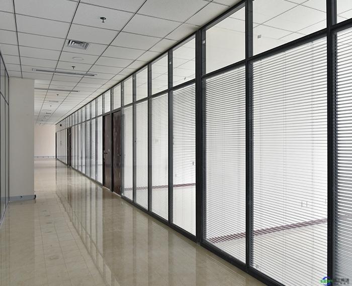 磨砂玻璃隔断墙价格是多少
