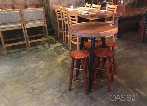 梨涡浅笑Live音乐现场餐厅桌椅展示