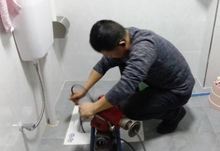 洗碗池下水道堵塞如何解决?
